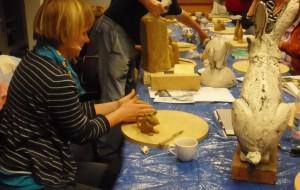 02 Keramikkurs mit Andreas Hinder - die Modelle sind geplant